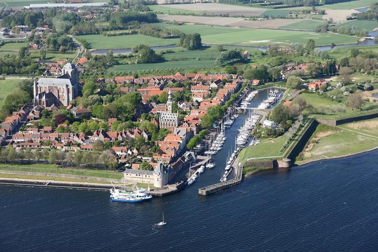 Панорама берегоукрепительных сооружений в Нидерландах