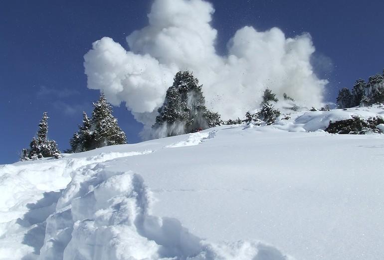 Взрыв лавины