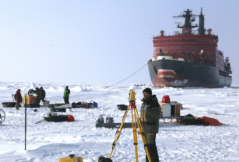 Атомоход «Ямал» — уникальная практика проведения зимних ледовых экспедиций в Арктике