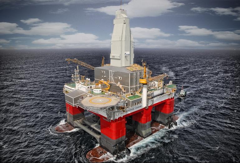 Ходовые испытания полупогружной плавучей буровой установки «Северное сияние», построенной на Выборгском судостроительном заводе по заказу ООО «Газфлот» в 2011 году