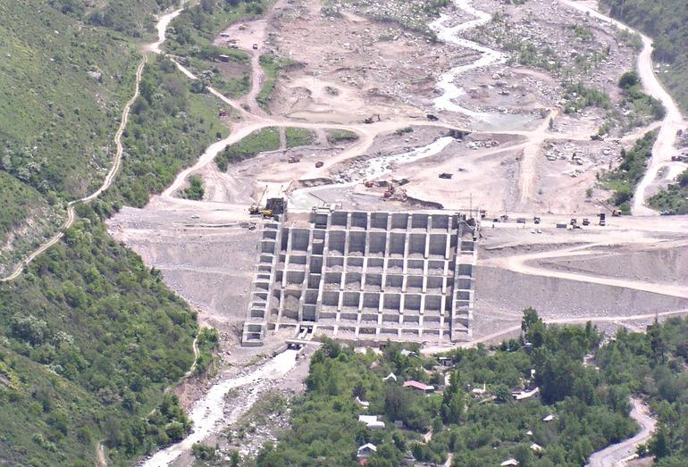 Селеудерживающая плотина в долине р. Талгар