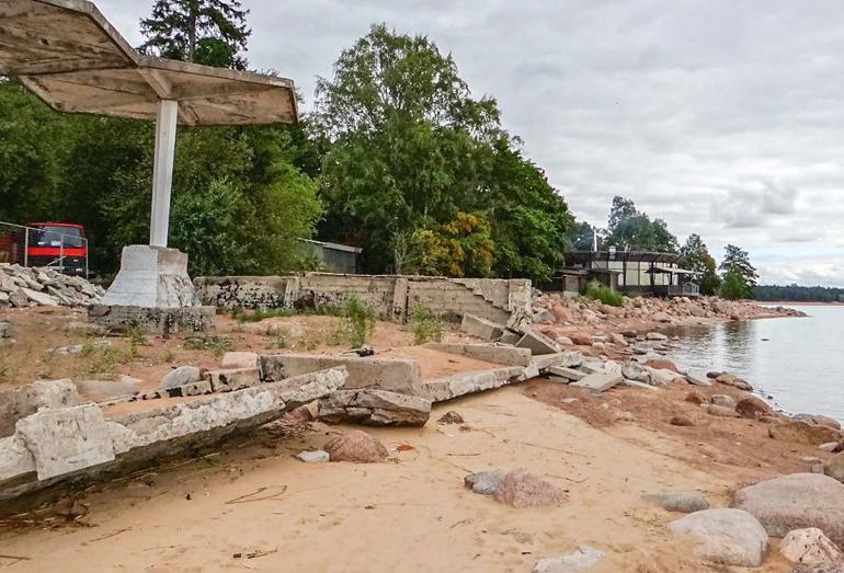 Разрушение берега и берегозащитных сооружений, п. Репино