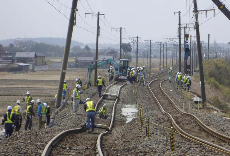 Последствия Великого восточно-японского землетрясения 11 марта 2011 года. Магнитуда Mw = 9,1. Глубина гипоцентра 32 км