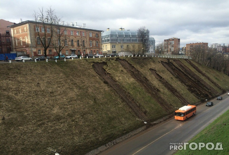 оползень близ площади Минина на Зеленогорском съезде в Нижнем Новгороде