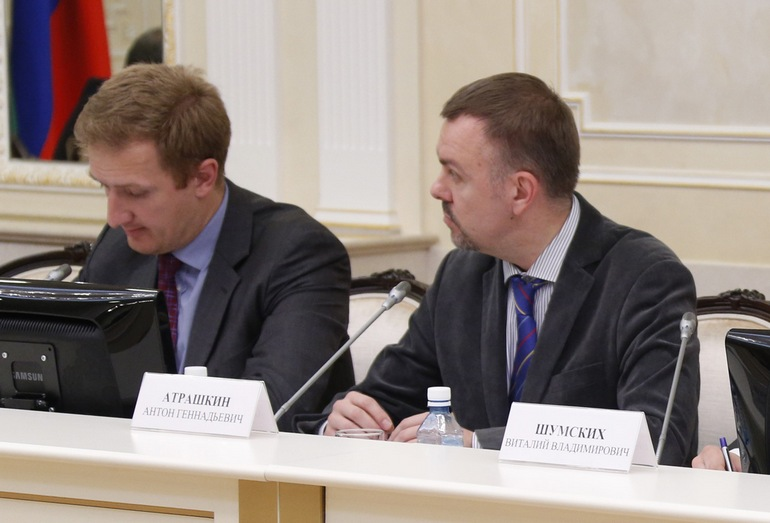 Антон Атрашкин, директор деловой программы ИННОПРОМ, и Виталий Шумских, генеральный директор ОАО «Уральский выставочный центр»