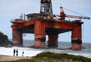 Авария буровой установки у берегов Шотландии