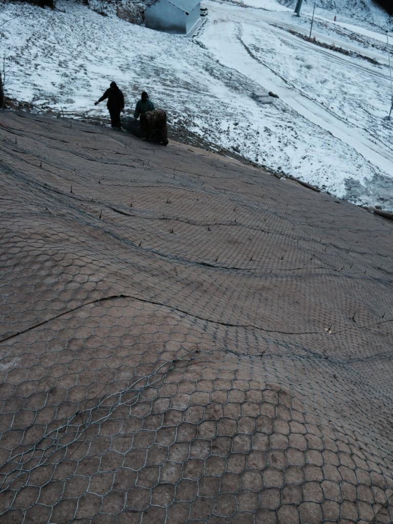Инженерная защита резервуара СИС в г. Южно-Сахалинске грунтовыми анкерами  АД-88