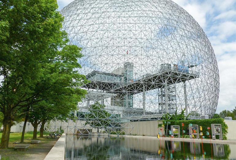 Выставочный павильон США «Экспо-67» в Монреале (высота 62 м, диаметр 76 м). 1967 г.