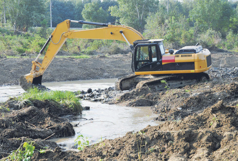 Расчистка русла реки Адагум