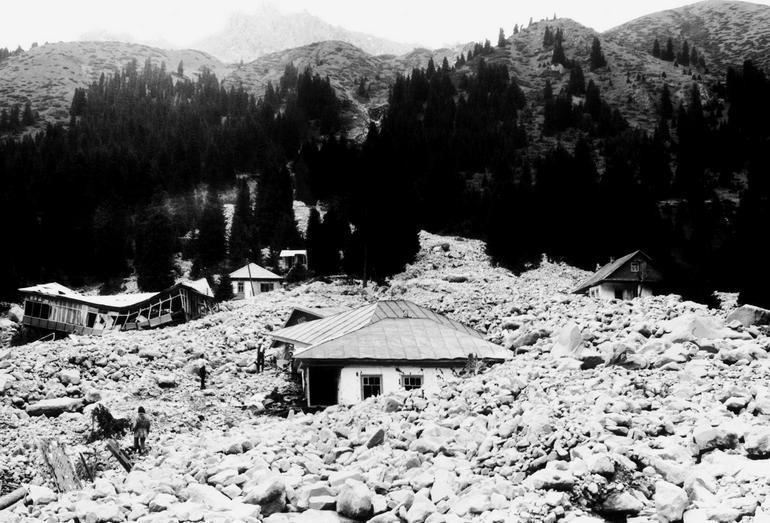 Разрушенный селем 1979 г. альпинистский лагерь в Среднем Талгаре