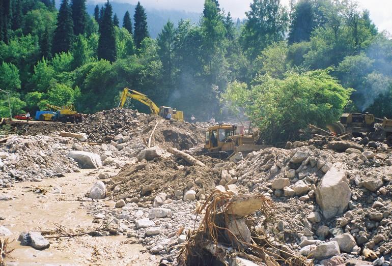 Ликвидация последствий дождевого селя 1999 г. в Бедельбае