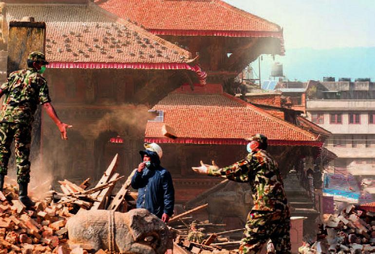 Спасательные мероприятиея после землетрясерния
