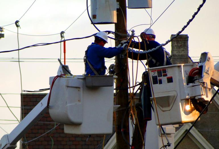 Монтаж защитных систем для отключения электроэнергии во время сильных землетрясениях