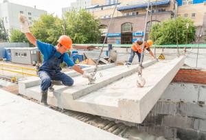 Установка бетонных плит