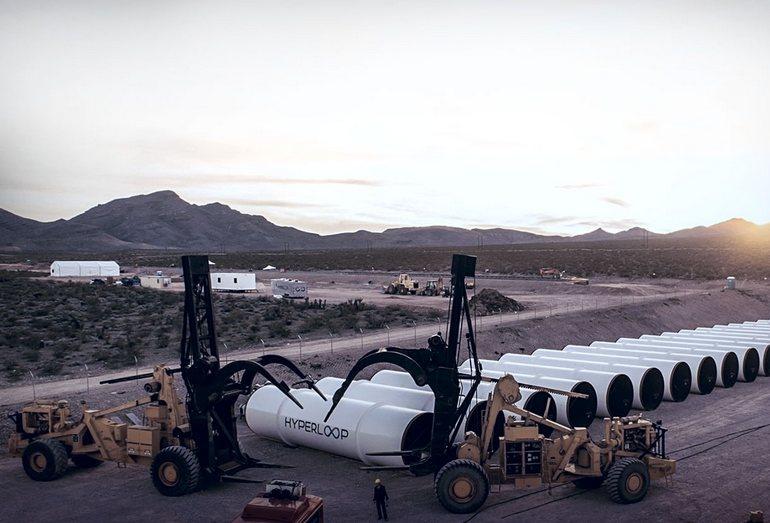 Монтаж линии Hyperloop в пустыне Невада, США