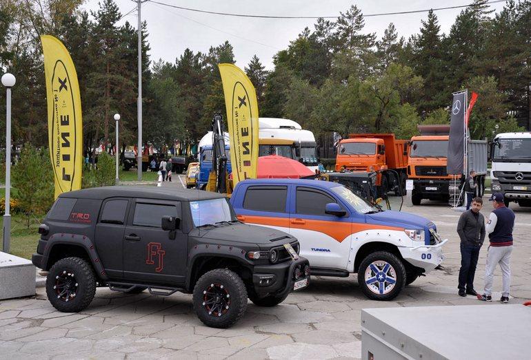 Экспозиция техники на выставке Транспорт ДВ региона