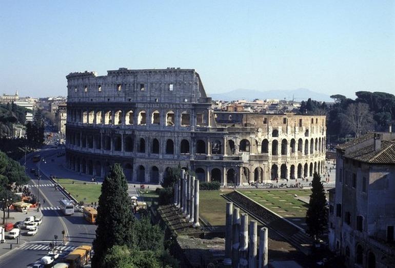 Реставрация Колизея в Риме