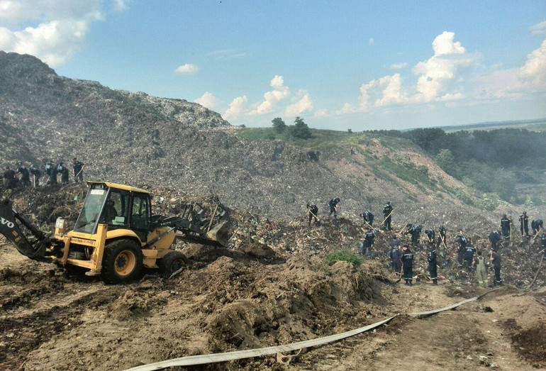 Ликвидация пожара на Грибовичском полигоне ТБО